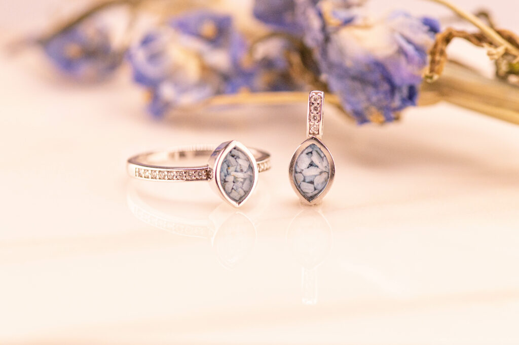 Rouwartikelen ring diamant
